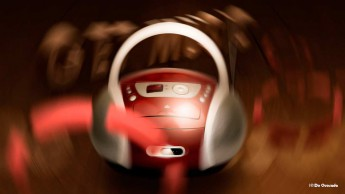 Illustration gallery distorted red and silver music player